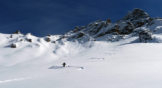 off-piste-skiing-touring-3-valleys-slide-2