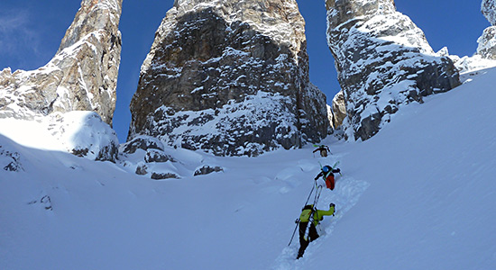 off-piste-skiing-touring-3-valleys-slide-3